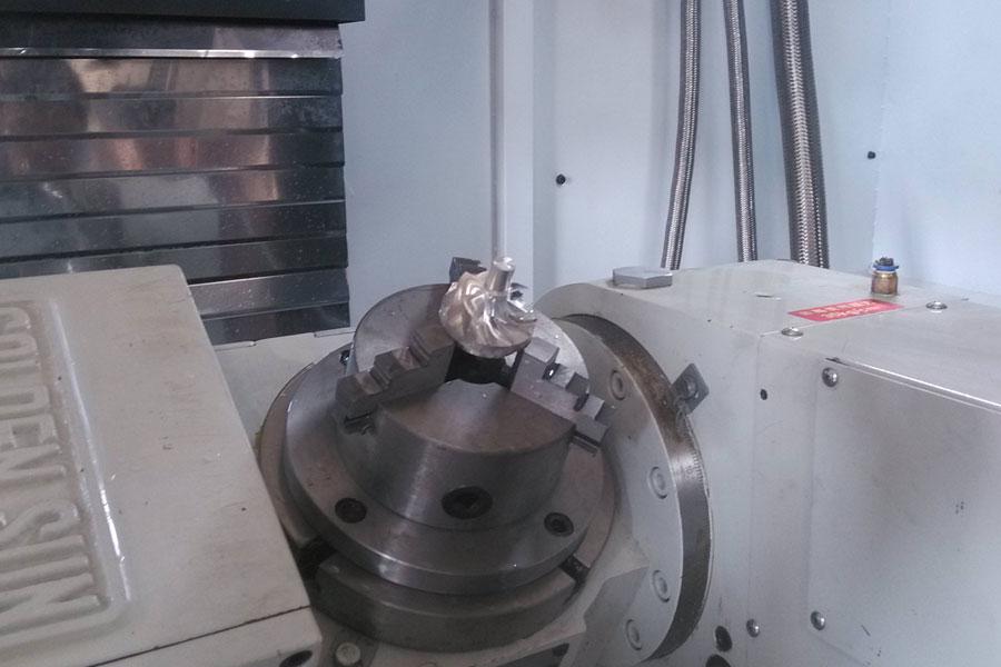 機械加工サービスは産業部門で使用されています