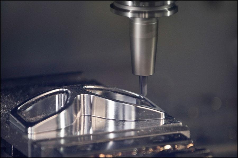 ロボット部品の加工