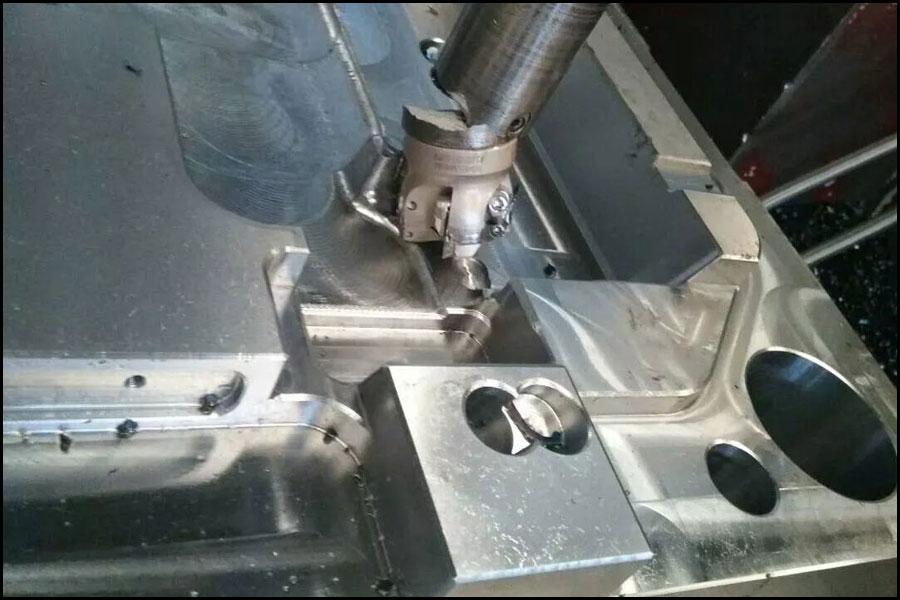 中国の異なる高度な機械加工プロセス