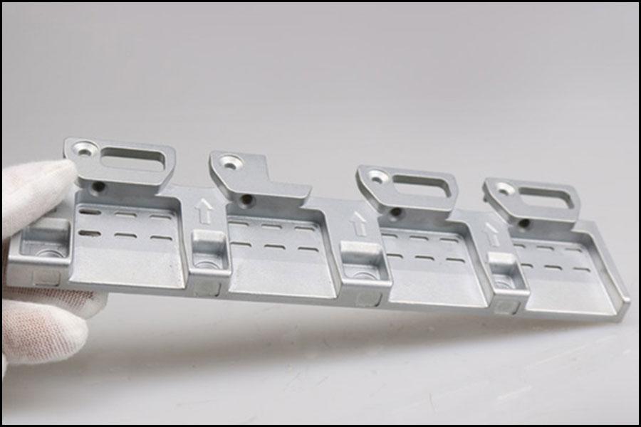 OEM旋盤CNC機械加工6061アルミニウム合金コンポーネント3