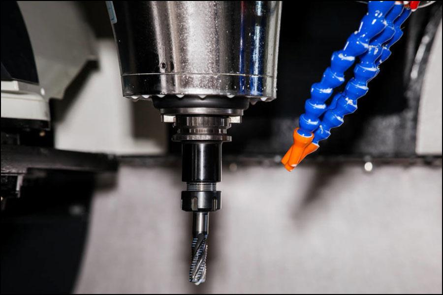 旋削、穴あけなどのCNC機械加工プロセスにおけるさまざまな材料の切削速度チャート