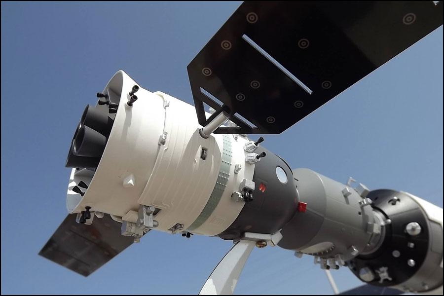 航空宇宙製造:技術、材料、検査、品質管理など