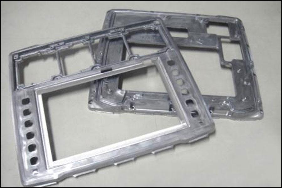 アルミダイカスト電池ハウジングの軽量化