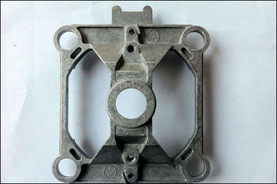 アルミニウムダイカストの表面欠陥にどのように対処しますか?