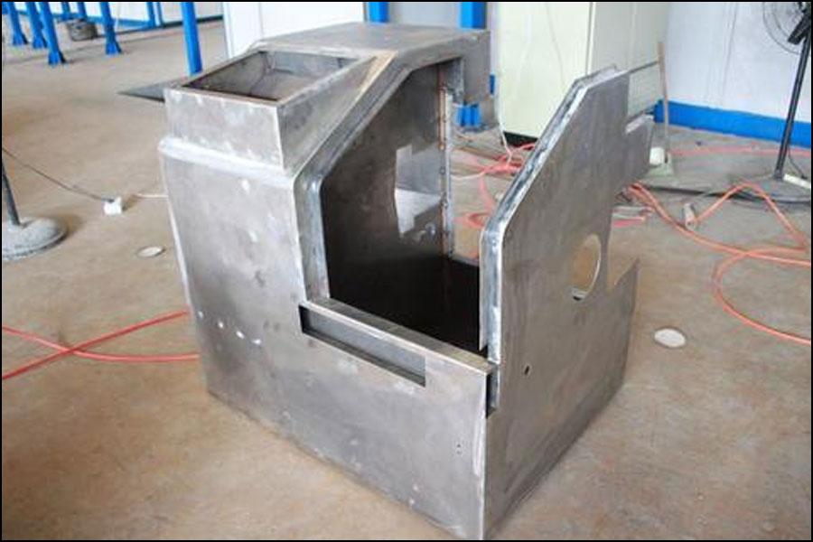 ガイドレール保護カバーは、安全保護の概念に従って設計する必要があります