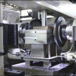 ダブルヘッドミリングマシンの操作中に注意すべき問題は何ですか?