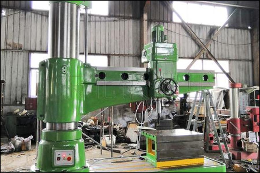 ラジアルドリルマシンを使用してタップが破損した場ラジアルドリルマシンを使用してタップが破損した場合の対処方法合の対処方法