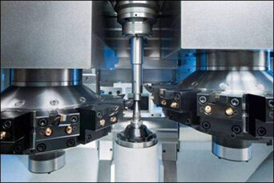 旋削加工ではどのような安全上の問題に対処する必要がありますか?