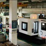製造会社は、業界の利益の減少にどのように対応しますか?