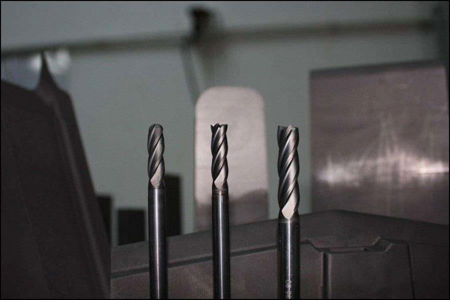 CNC加工でカッター振戦はどのように発生しますか