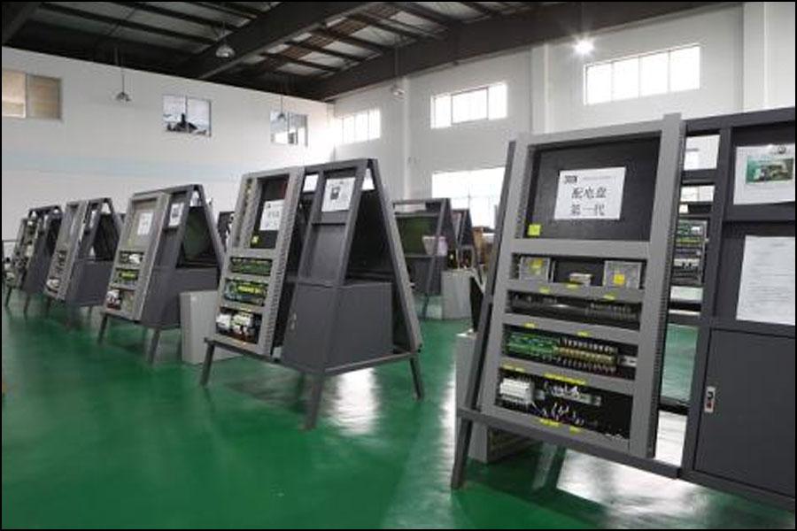 CNC工作機械の移動座標の電気的制御
