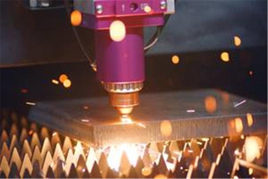 高度なレーザー技術:自動車製造のレベルを向上させる武器