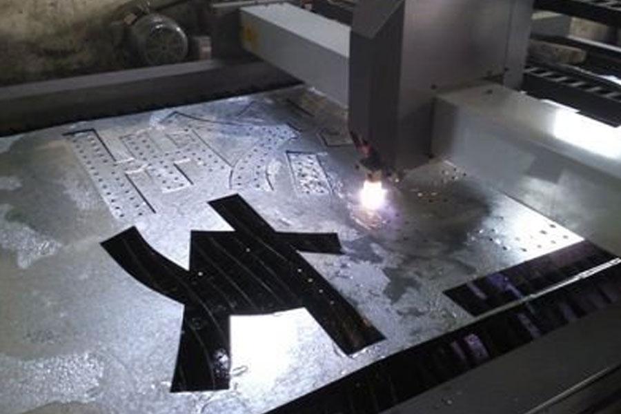 ステンレス鋼は変色しますか?